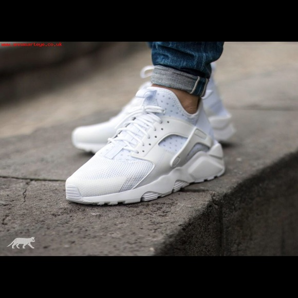 white huaraches with jeans